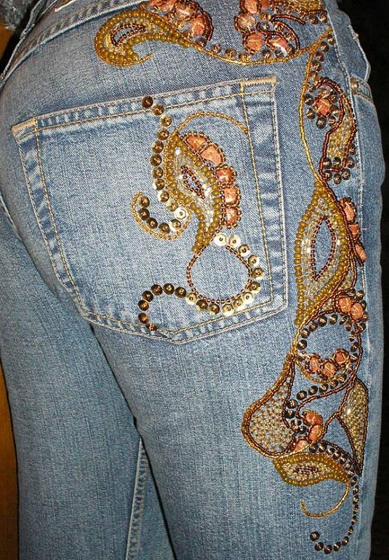 Красивые вышивки из бисера на одежде
